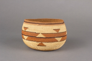 A gorgeous Karuk basket designed with black maidenhair fern and red Woodwardia filaments, ca. 1920. Courtesy of the Portland Museum.